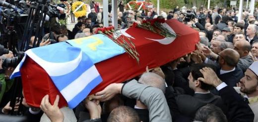 Türk dünyasının bilge hocası vefat etti