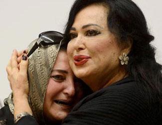 Sevgi seli Türkan Şorayı ağlattı