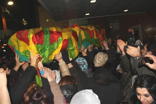 3 PKKlı için Diyarbakırda tören düzenlendi