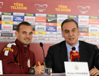 Ve Sneijder imzayı attı!