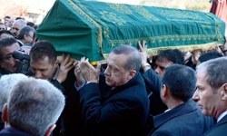 Erdoğan dayısının cenaze töreninde