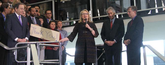 Clinton, vedasında intihar saldırısına değindi