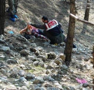 Ormanda genç kız cesedi bulundu