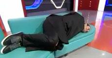 Stüdyodaki herkes uyudu