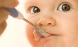 Bebeğe sebze suyu vermeyin