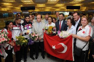 Türkiyeye madalya ile döndüler