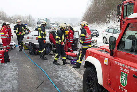 Avusturyada 100 aracın karıştığı zincirleme kaza