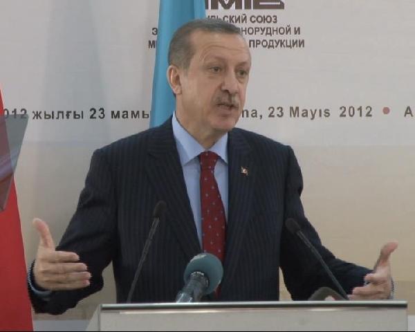 Erdoğan : Sizin en az 5 çocuk demeniz lazım.