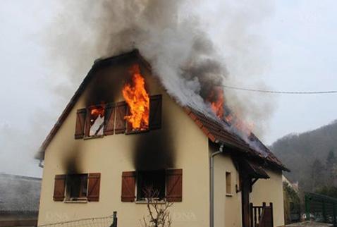 Fransada Türk ailenin evi yandı: 1 ölü
