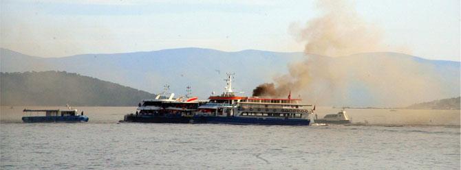 Bostancıdaki tur teknesinde yangın!