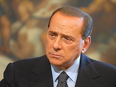 Berlusconi yeniden aday olmayacağını söyledi