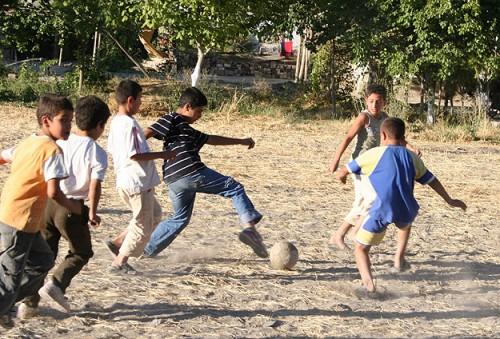 Kırsalda Yaşayan Çocuklar Daha Sağlıklı