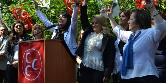 MHP Sultangazi Kadın Kolları Atağa Geçti