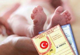 Erkek bebeğin doğum raporuna yanlışlıkla kız yazıldı.