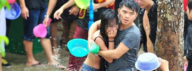 Çinin kuzey batısında her yıl taciz ve arbede rezaletine sahne oluyor