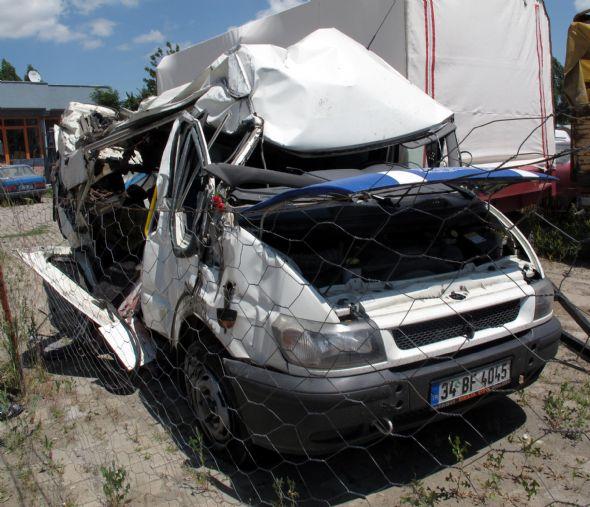 Ağrıda trafik kazası:13 ölü
