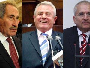 AK Parti MYKsında 3 vekile şok karar