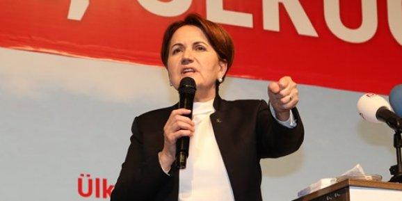 Meral Akşener MHPden ihraç edildi