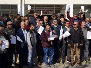 Kaşda 150 kişi, MHPden istifa etti