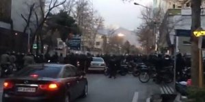 Tansiyon yükseldi! İran'ı karıştıran gözaltı… 5 polis öldürüldü