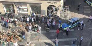 Almanya'nın Münster kentinde bir araç kalabalığa daldı: 4 ölü