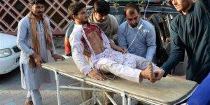 Afganistan'da Taliban ile güvenlik güçlerinin bayramlaşması sırasında patlama! Çok sayıda ölü var