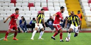 Demir Grup Sivasspor: 0 - Fenerbahçe: 0
