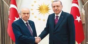 İzmir'de AKP ve MHP'ye kötü haber