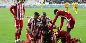 Demir Grup Sivasspor: 2 - Evkur Yeni Malatyaspor: 0