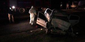 Tokat'ta TIR'la çarpışan otomobildeki 2 polis hayatını kaybetti