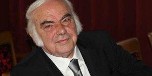 Ünlü tiyatrocu Enis Fosforoğlu geçirdiği kalp krizi sonucu vefat etti