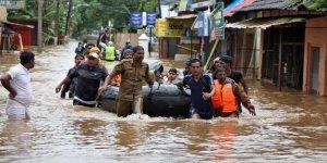 Nepal'de selde hayatını kaybedenlerin sayısı 98'e yükseldi
