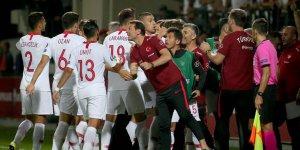 Türkiye, Moldova'yı güle oynaya farklı yendi