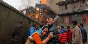 Hindistan'da fabrikada yangın! 32 Ölü