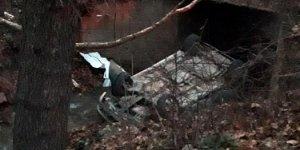 Kütahya'da özel otomobil dereye uçtu: 2 Ölü