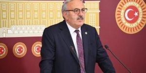 """Bedri Yaşar; """"Hükümet özelleştirme kapsamında, hep kâr eden kuruluşları satarak cezalandırmaya başlamıştır"""""""