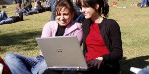 Gençlik için internet hayati ihtiyaç