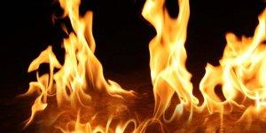 Gebzede, beyaz eşya deposunda yangın