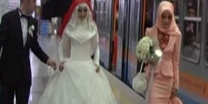 Düğünlerine geç kaldılar.