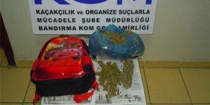 Bandırmada okul çantasında uyuşturucu