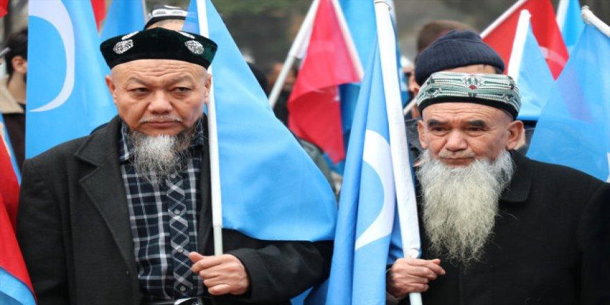 Uygur Türklerinin yürüyüşü devam ediyor